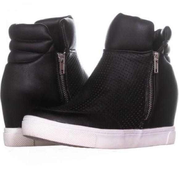 b4c9442b20d7 New in box Steve Madden Linqsp sneaker wedges